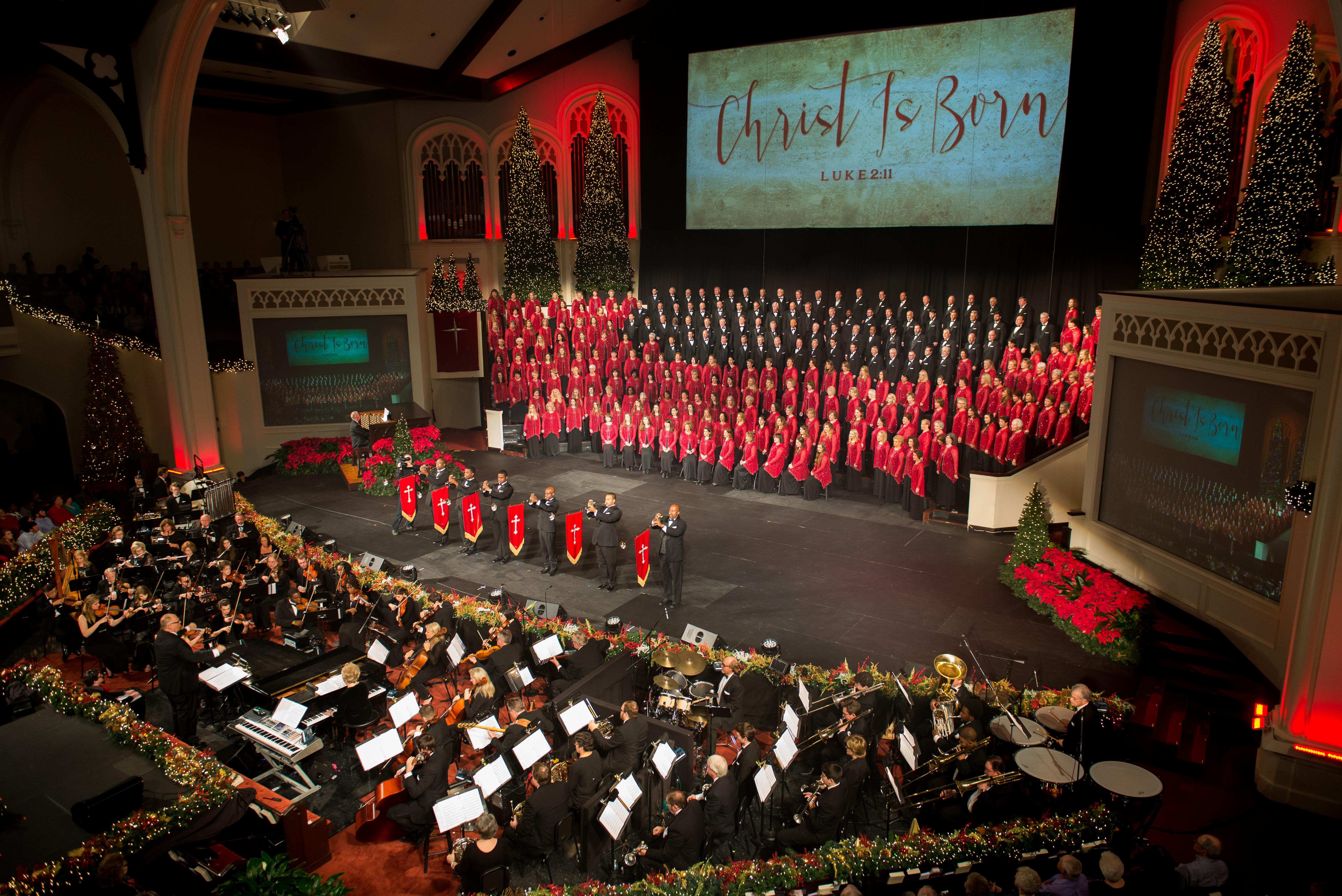 carols2015-choir-and-heralds