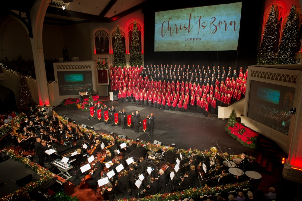 carols2015-choir-and-heralds